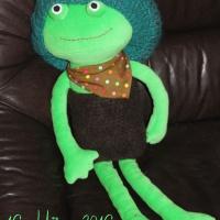 darf ich mich vorstellen…? Ich bin eine Grüne! Ich bin seit heute hier. Hoffentlich mag der Frosch meine Beiträge.